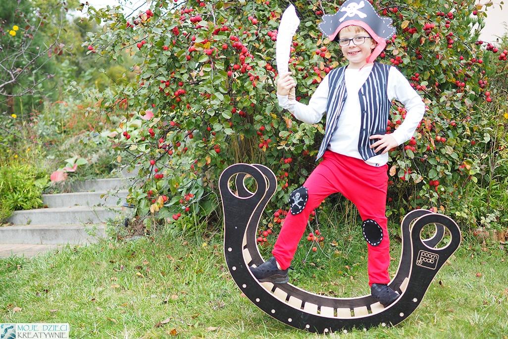przebranie pirata, jak zrobic strój pirata, czapka piracka z papaieru, pomysły na przebranie dla chłopca, przebrania dla dzieci na bal karnawałowy, stroje dla dzieci do przedszkola, moje dzieci kreatywnie
