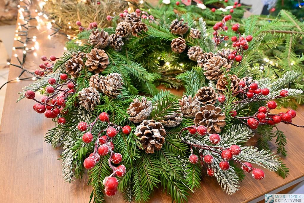 Jak zrobić wieniec świąteczny, jak wykonać wieniec z gałązek, wianek bożonarodzeniowy