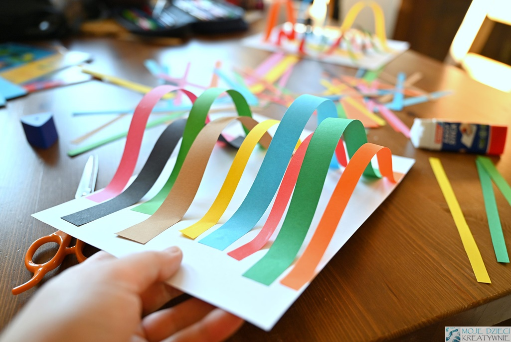 moje dzieci kreatywnie, prace plastyczne dla dzieci z papieru, praca plastyczna przestrzenna, 3d