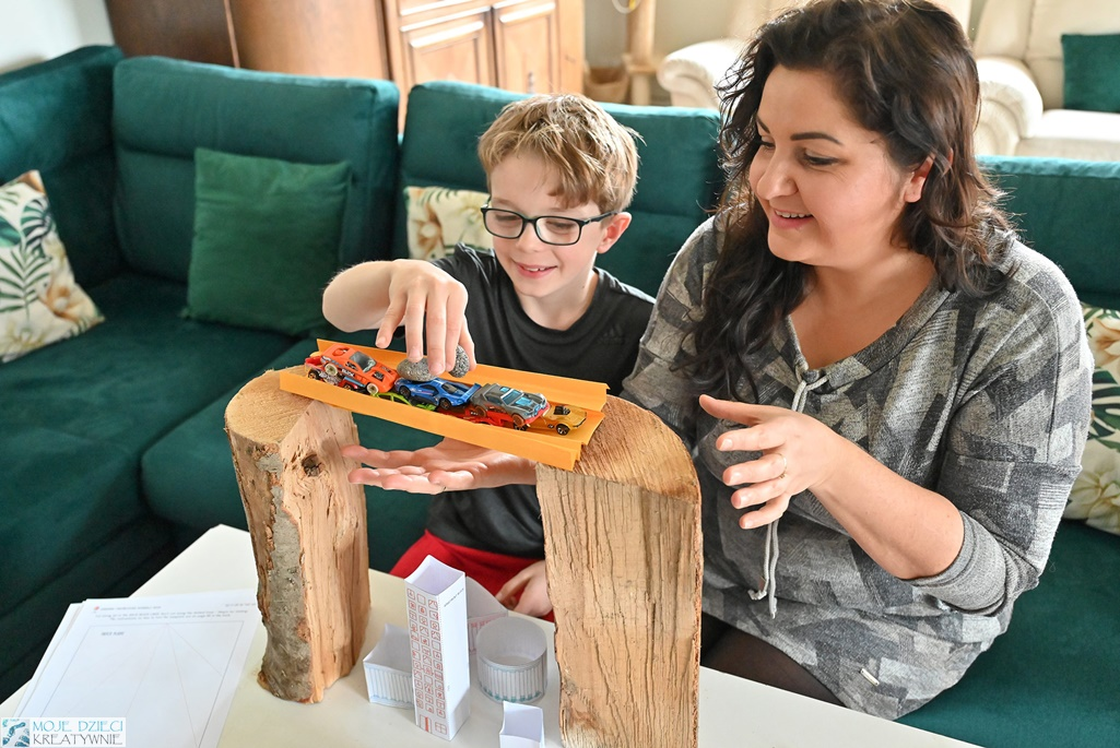 co robić z dzieckiem w domu, ciekawe zabawy dla dzieci, eksperymenty dla dzieci