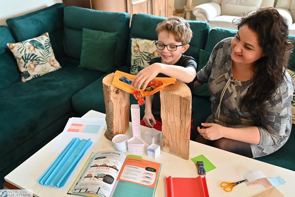 doświadczenia fizyczne dla dzieci, edukacja domowa, młody inżynier, kreatywne zabawy, nauka przez zabawę