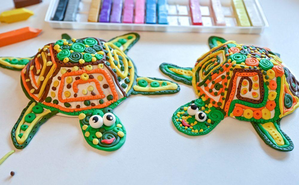żółw z plasteliny, praca plastyczna żółwie, moje dzieci kreatywnie, zółw z papierowego talerzyka