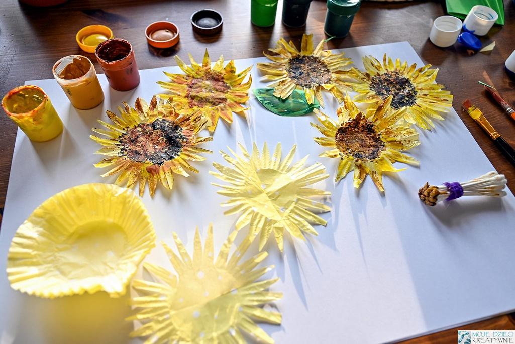 prace plastyczne moje dzieci kreatywnie, słoneczniki z papieru, słoneczniki z papilotek