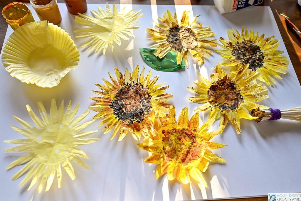 jak namalować słoneczniki, prace plastyczne wiosna, lato, słoneczniki z papieru, słoneczniki z papilotek