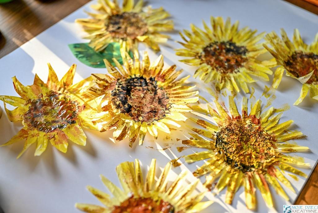 słoneczniki z papilotek, kwitay z papilotek, prace plastyczne słoneczniki