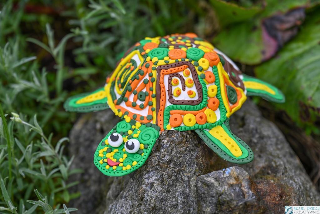 żółw z plasteliny, praca plastyczna z papieru lub papierowego talerzyka, ciekawe prace plastyczne dla dzieci, moje dzieci kreatywnie