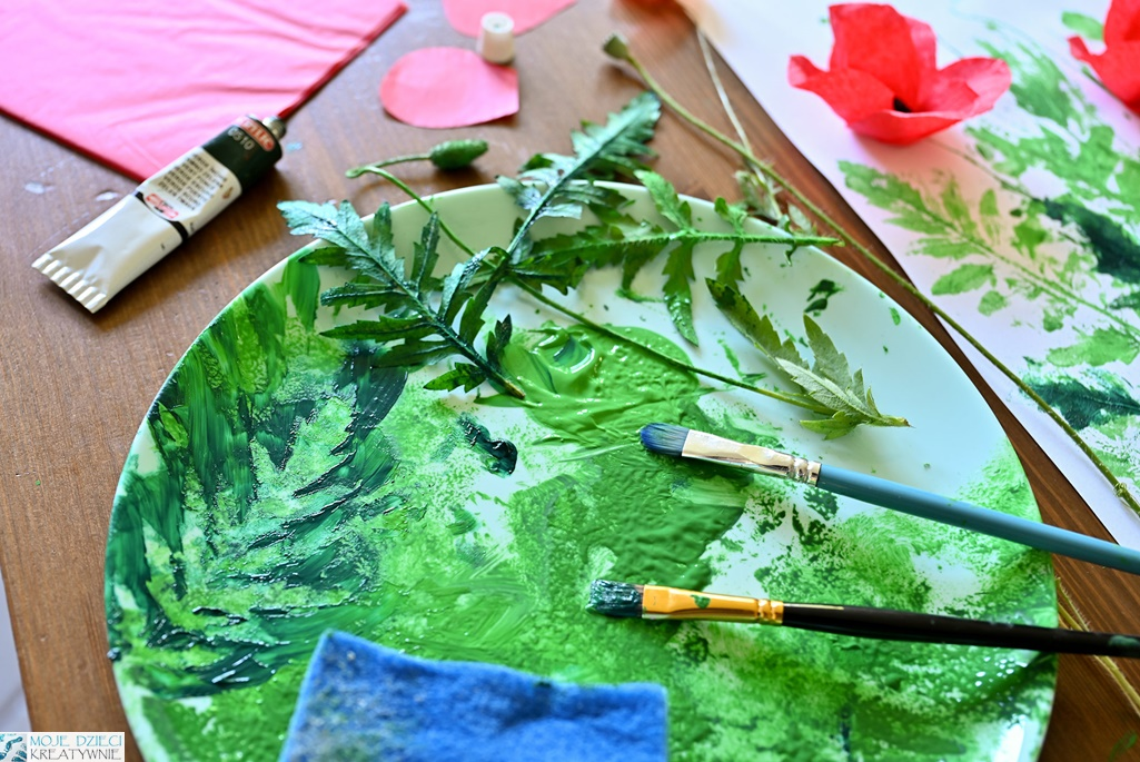 prace plastyczne dla dzieci, techniki plastyczne, odbijanie liści, malowanie liści