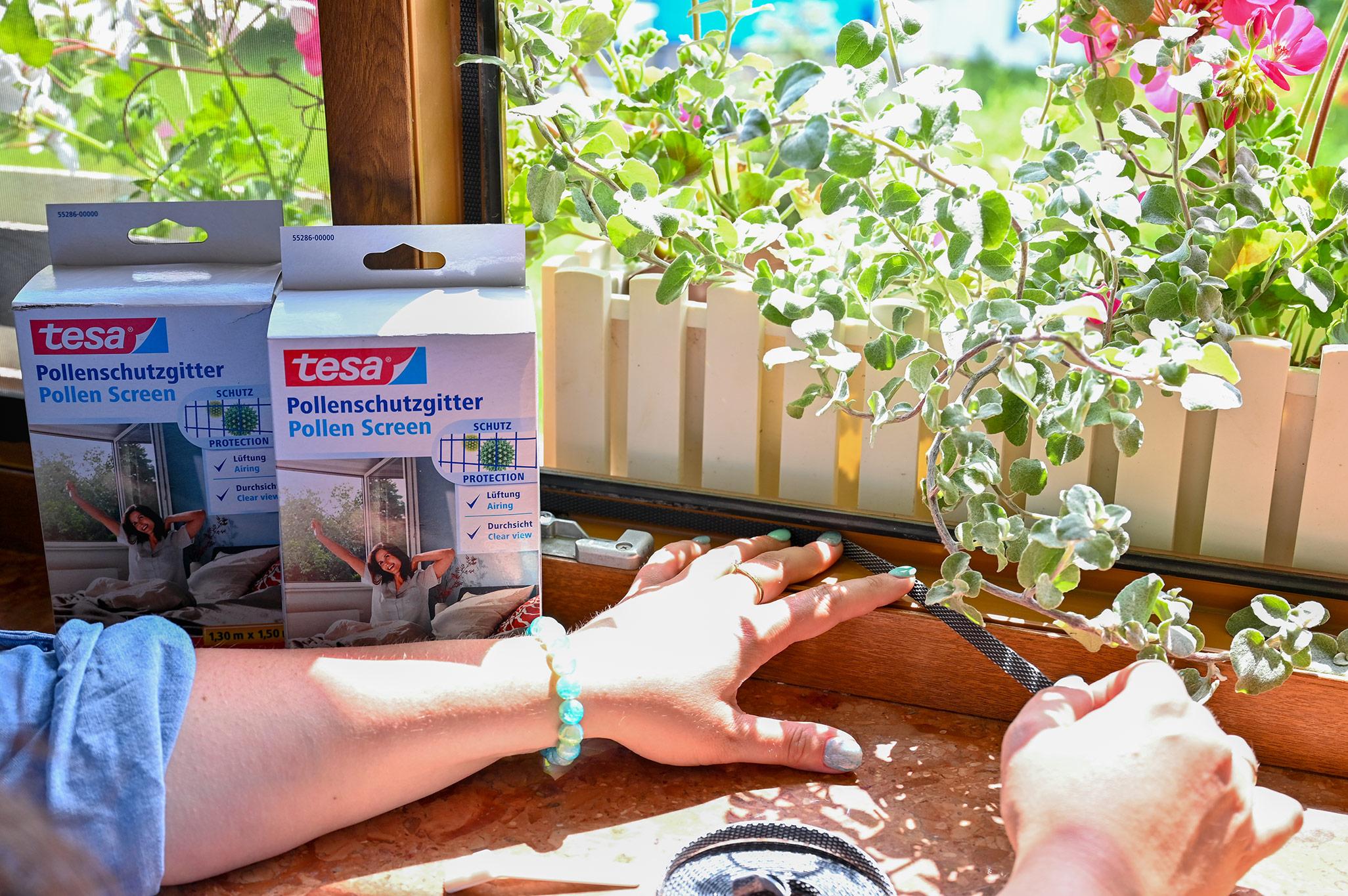 Moskitiera na okno, montaż moskitiery w oknie, moskitiera tesa, moskitiera antyalergiczna