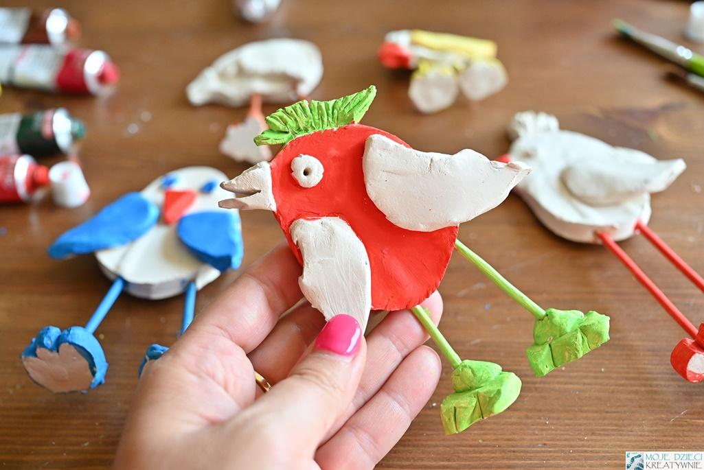 ptaki z masy solnej, ptaki z gliny, jak ulepić ptaka, pomysły na prace plastyczne ptaki, moje dzieci kreatywnie