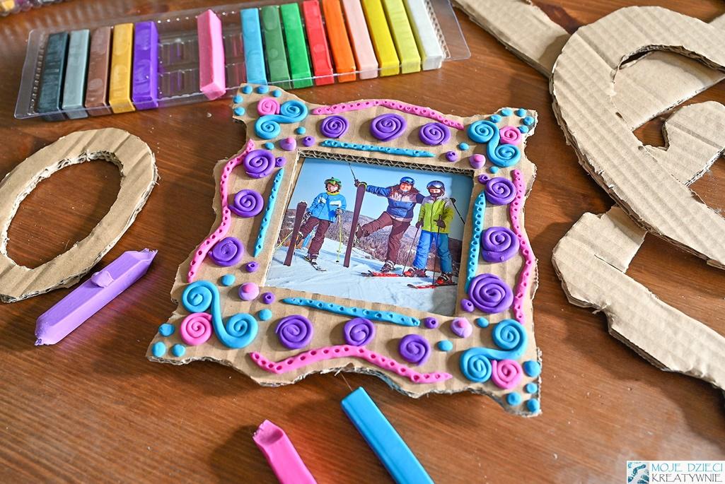 moje dzieci kreatywnie, zabawy plastyczne, kreatywne zabawy dla dzieci, ramka diy, ramka z kartonu, ramka z tektury