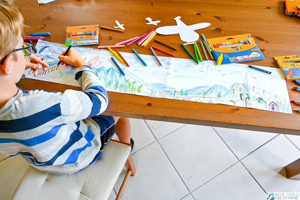 pomysły na prace plastyczne, panoramiczny rysunek, jak zachęcić dziecko do rysowania