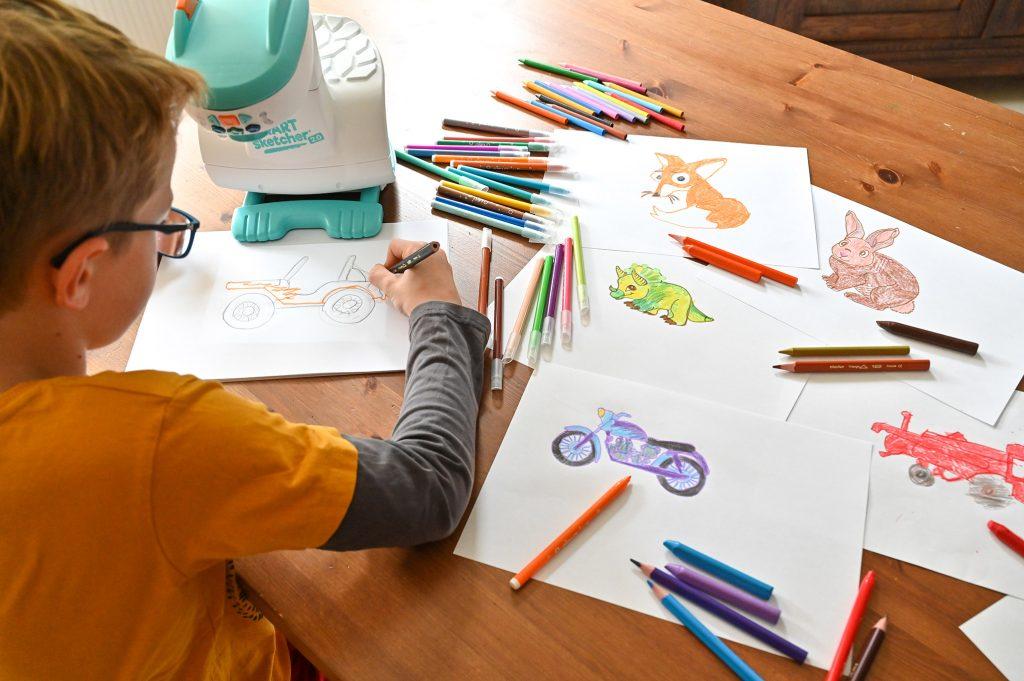 projektor do rysowania dla dzieci krok po kroku, smart sketcher nauka rysowania dla dzieci