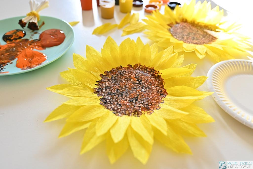 Słoneczniki z papierowych talerzyków, słonecznik z papieru, słonecznik z bibuły, moje dzieci kreatywnie
