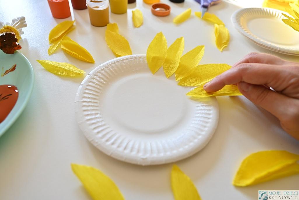 Słoneczniki z papierowych talerzyków