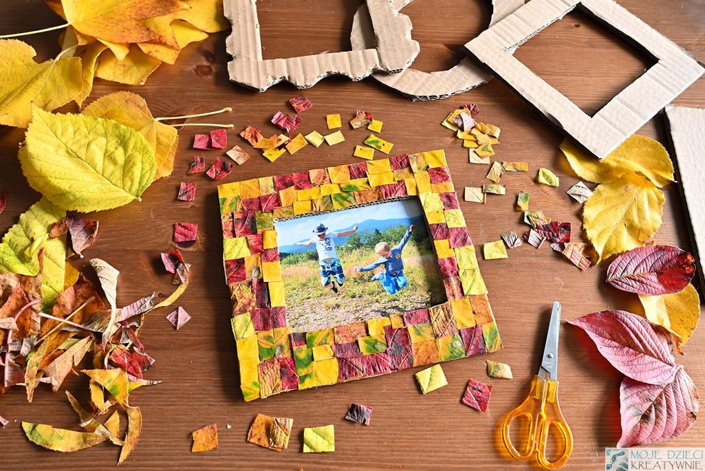 co można zrobić z jesiennych liści, prace plastyczne jesień, jesienne prace plastyczne, ramka z jesiennych liści