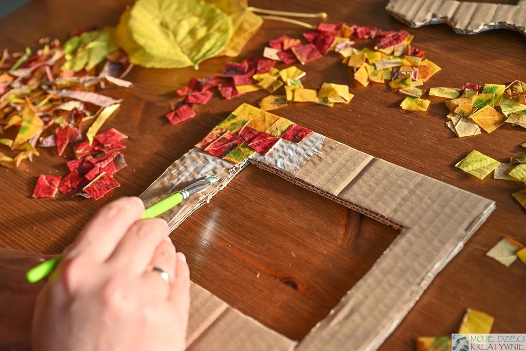 Ramka z jesiennych liści zrób to sam, DIY, jesienne prace plastyczne